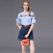 Heavy embroidered striped sleeve top and denim shorts suit