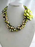 The latest 3 strands handmade pearl and shell flower necklace for african bride wedding