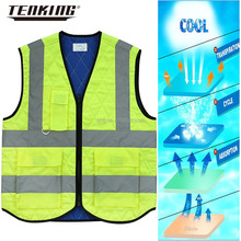 wholesale hi vis sleeveless fluorescent green reflective cooling jacket with pockets open