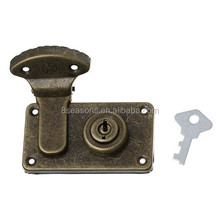 Wholesale Antique Bronze Star Carved Small Jewelry Box Locks Latch With Key