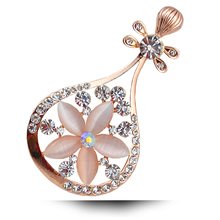 B107 Opal Musical Instrument Pipa Brooch Women 18K Gold Plated Rhinestone Brooch Jewelry & Jewellery Christmas Gift Brooch Pins