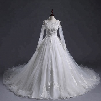 Muslin wedding dress  Luxury 3D Lace round neck Appliqued long train long sleeve  ball gown  Wedding Dress Bridal Gown 2018