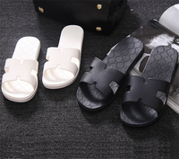 Manufactural price personalized couple slippers rubber cheap wholesale flip flops