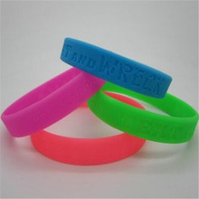 Factory supply custom fashion personalized silicone bracelet