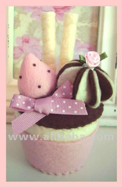 strawberry and chocolate felt cupcake