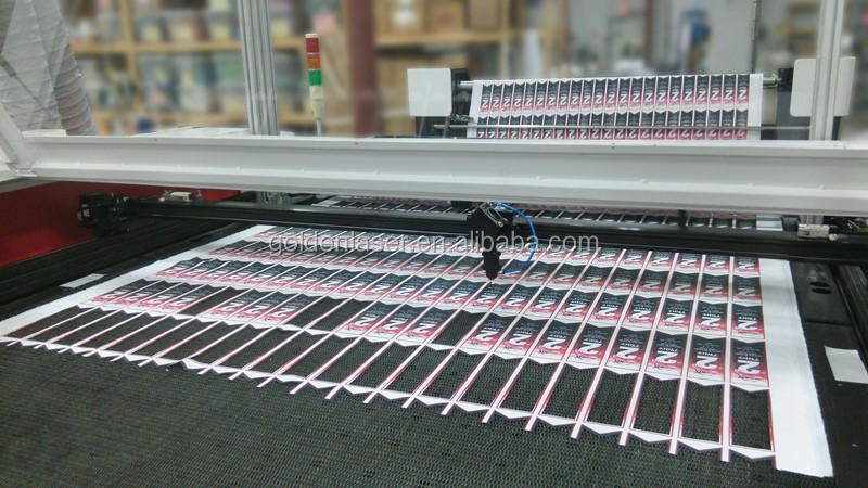Auto Feeding Flying Scan Laser Cutting Machine for Printed Fabrics