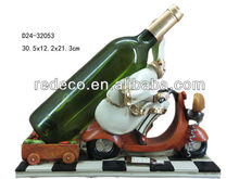 Resin chef wine bottle holder