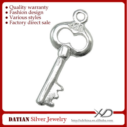 XD X086 Fancy Engraved 925 Sterling Silver Key Pendant Wholesale