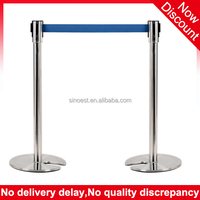 Black & Stainless Steel U shape base Stackable queue pole retractable belt barrier