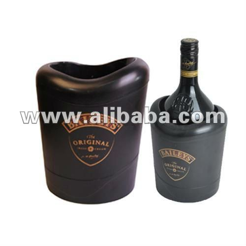 Plastic wine box