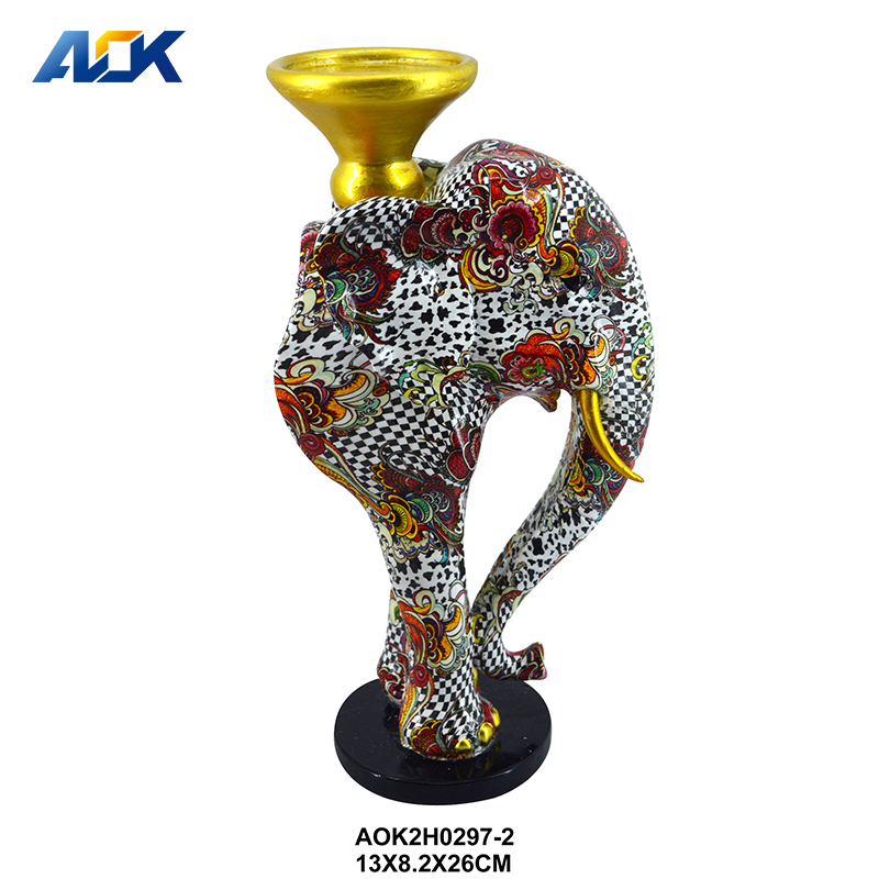 Hand Painted Figurines Ornaments Polyresin Elephant Candelabrum