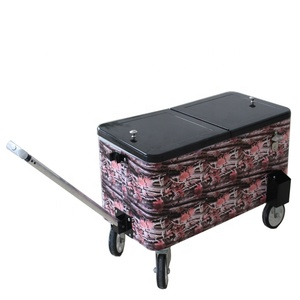 73L cooler box with trolley