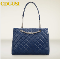 2015 guangzhou factory fashion quilted long chain bag