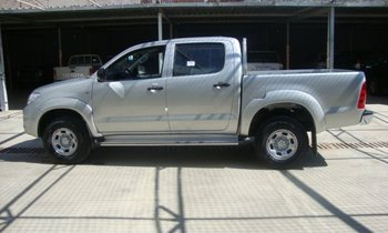 Toyota Hilux 3.0 Diesel, 5 seats, 5 Speed Manual, double cab.