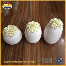 Ceramic craft pearl flowers jar with lid