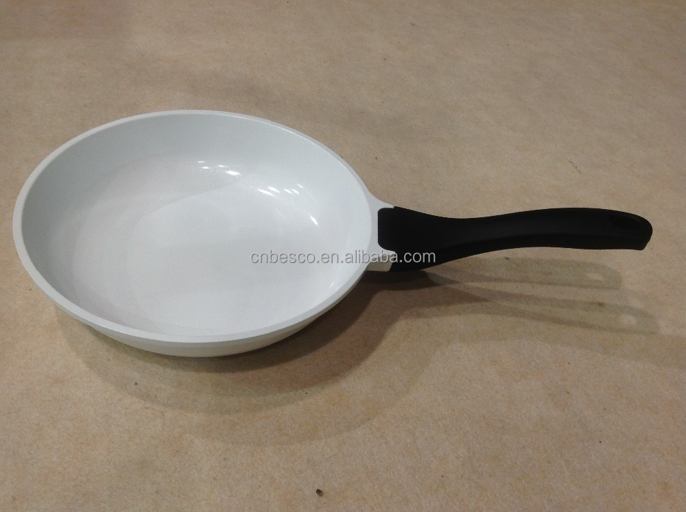 die cast aluminum 20cm fry pan with white ceramic coating