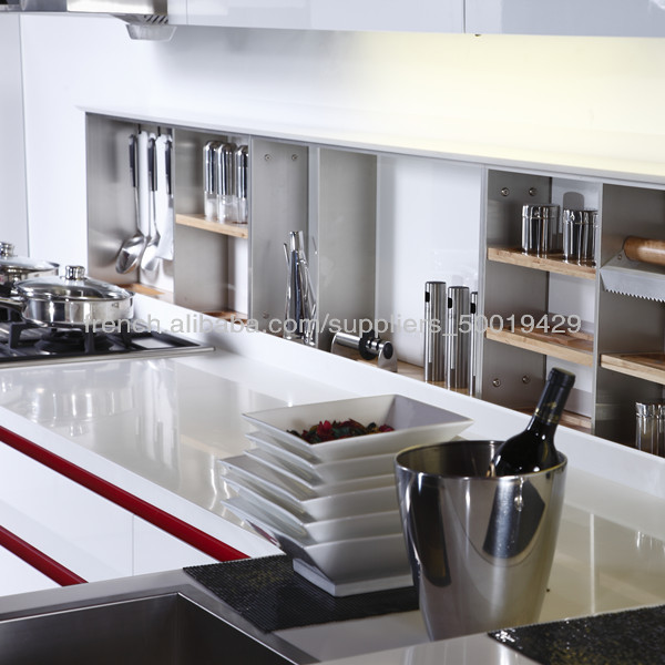 2014 Le plus récent en blanc laque Armoires de cuisine design Chine