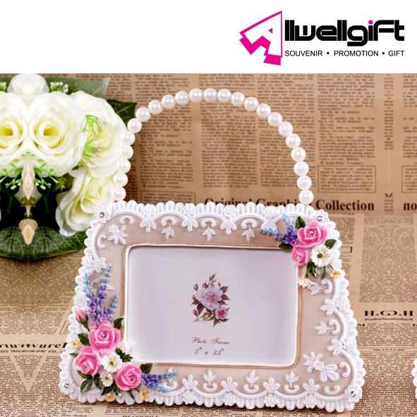 Attractive Handbag Shaped Flower Polyresin Photo Frame