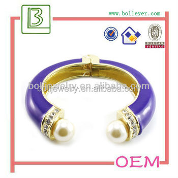 Beautiful Charm Bangle Molds With Pearl