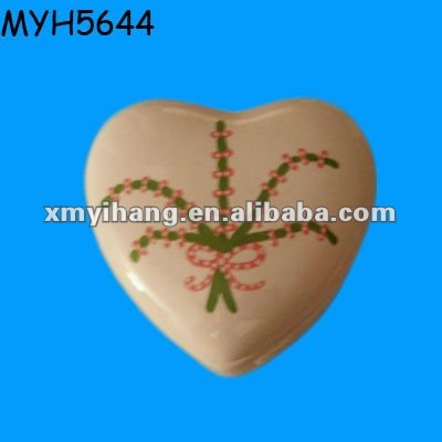 Heart shaped ceramic wedding jewellery box