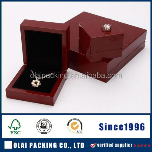 Elegant lacquered wooden jewellery packaging box wood,costom jewelry packaging for girl