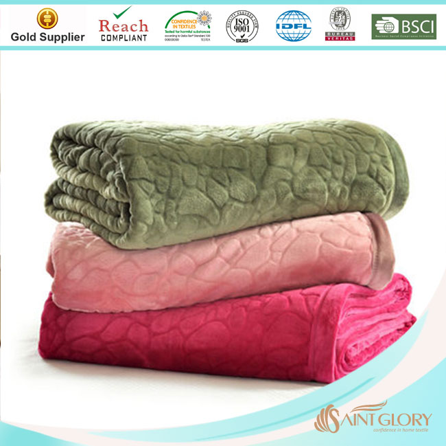 standard size solid color fluffy winter blanket for bed