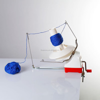New Arrival Red Plastic Hand-Operated Mini Yarn Ball Wool Winder