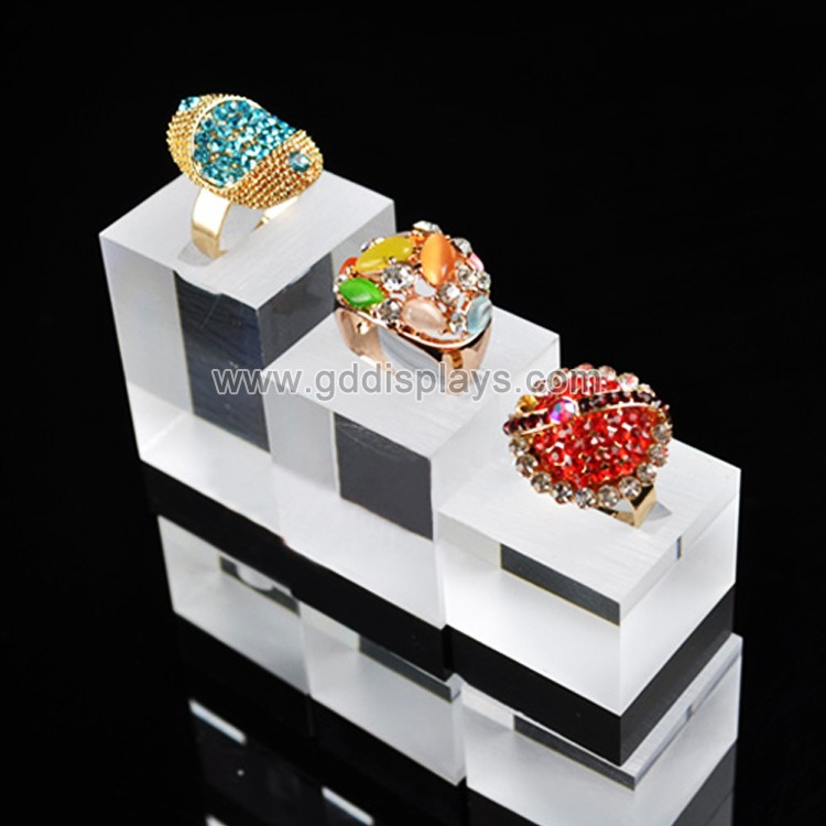 modern counter top acrylic jewelry display stand