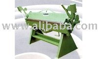 METAL SHEET FOLDING MACHINE