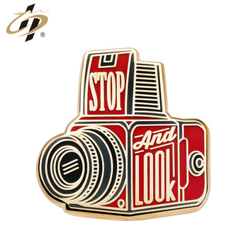 Free sample custom metal gold plated camera enamel lapel pins