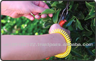 2013 new style waterpoof plastic spring coil mosquito repellent wristband with natural essential oil
