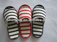 2013 fashion stripe knited fabric indoor slipper