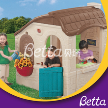 New design high quality durable wholesale children playhouse