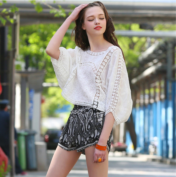 Hottest White Long Sleeve Lace Blouse For Ladies Round Neck Design