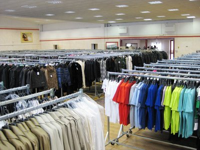 BRANDED AND DESIGNER CLOTHES STOCKS