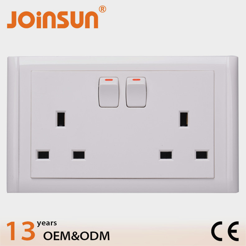 146mm UK socket with switch CE electrical plugs and sockets 240v