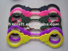 2012 hot sale silicone children's lovely handcuffs 10 colours available in stock