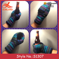 S1307 New fashionable crochet knitting bottle hand holder drinking beer gloves wholesale