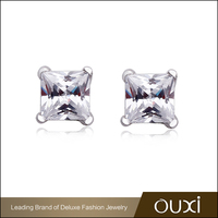 Fashion Female Jewelry OUXI Light Crystal Silver Stud Earrings