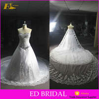 2017New Fashion Sweetheart Sleeveless Bead appliqued Long train Open back Customized Ball gown Melting Wedding dress