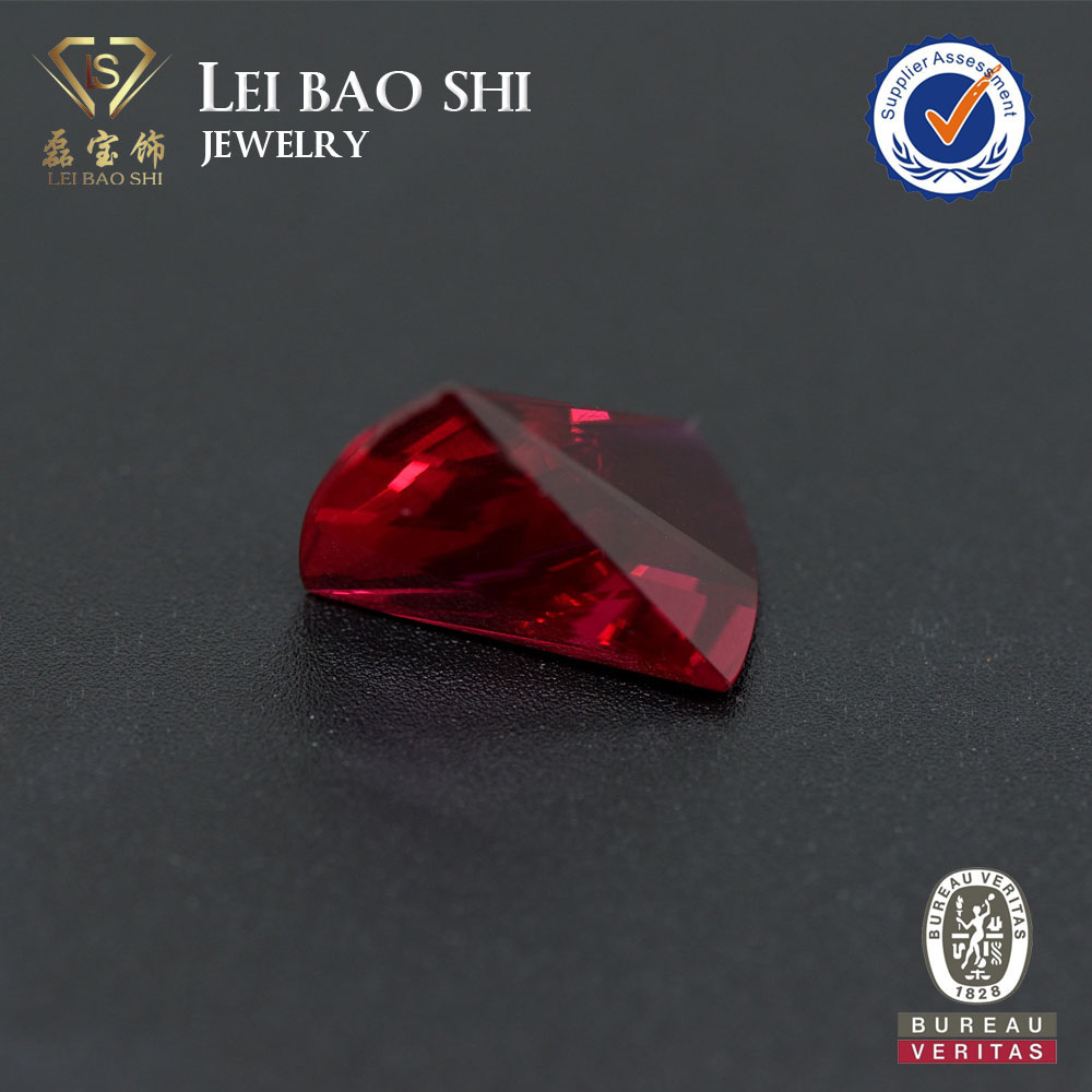 Nice Fancy Cut Synthetic Corundum in color Ruby#5 for Necklace Pendant