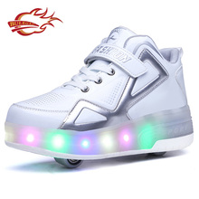 Hot products battery operated led light roller skate retractable wheel shoes