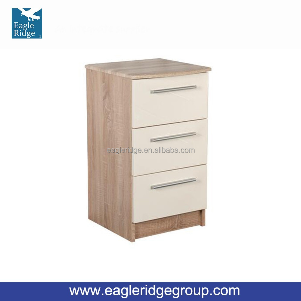 2016 Chester 3 Drawer Bedside chest Cabinet