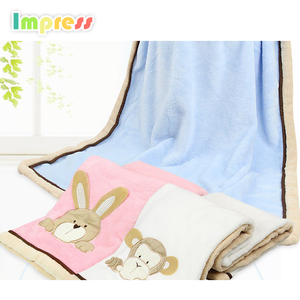 High quality baby plain coral fleece embroidery balnket soft touch animal head printed baby plush blanket