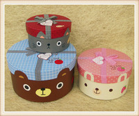 2013 hot sale round cartoon paper gift box with hang tag