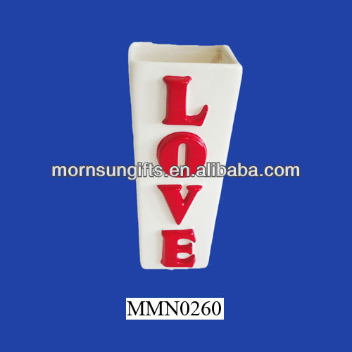 """LOVE"" popular and unique porcelain vase for crafts and gifts"