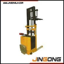2 ton elctric stacker / electric forklift for lifting goods 2 ton electric powered pallet stacker