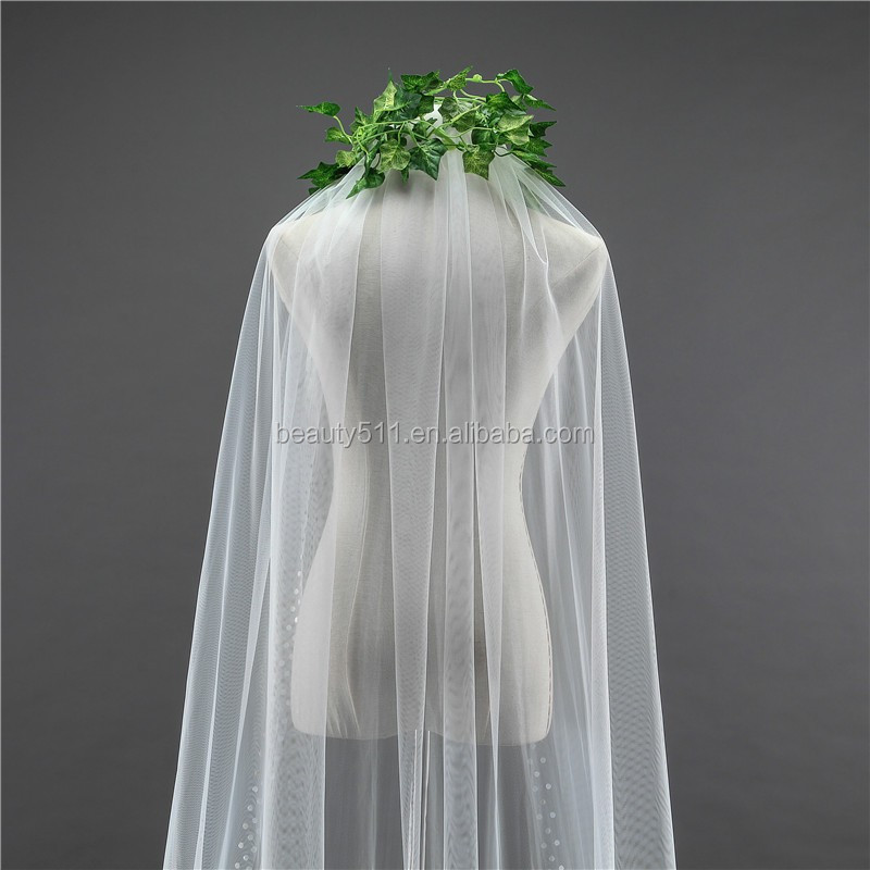 2017 wholesale Wholesale White Wedding Lace Bridal Veils long Tulle veils HL01