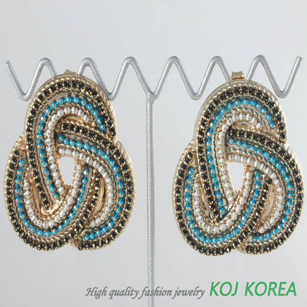 KE-144 chain twisted big size earring pierce