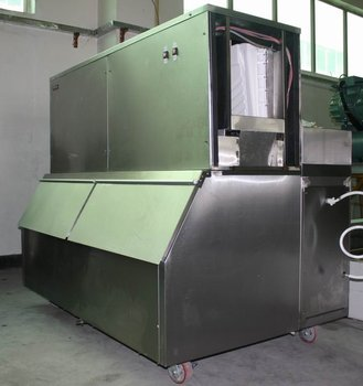 Large square Industrial Cube Ice Machine with ice packing system